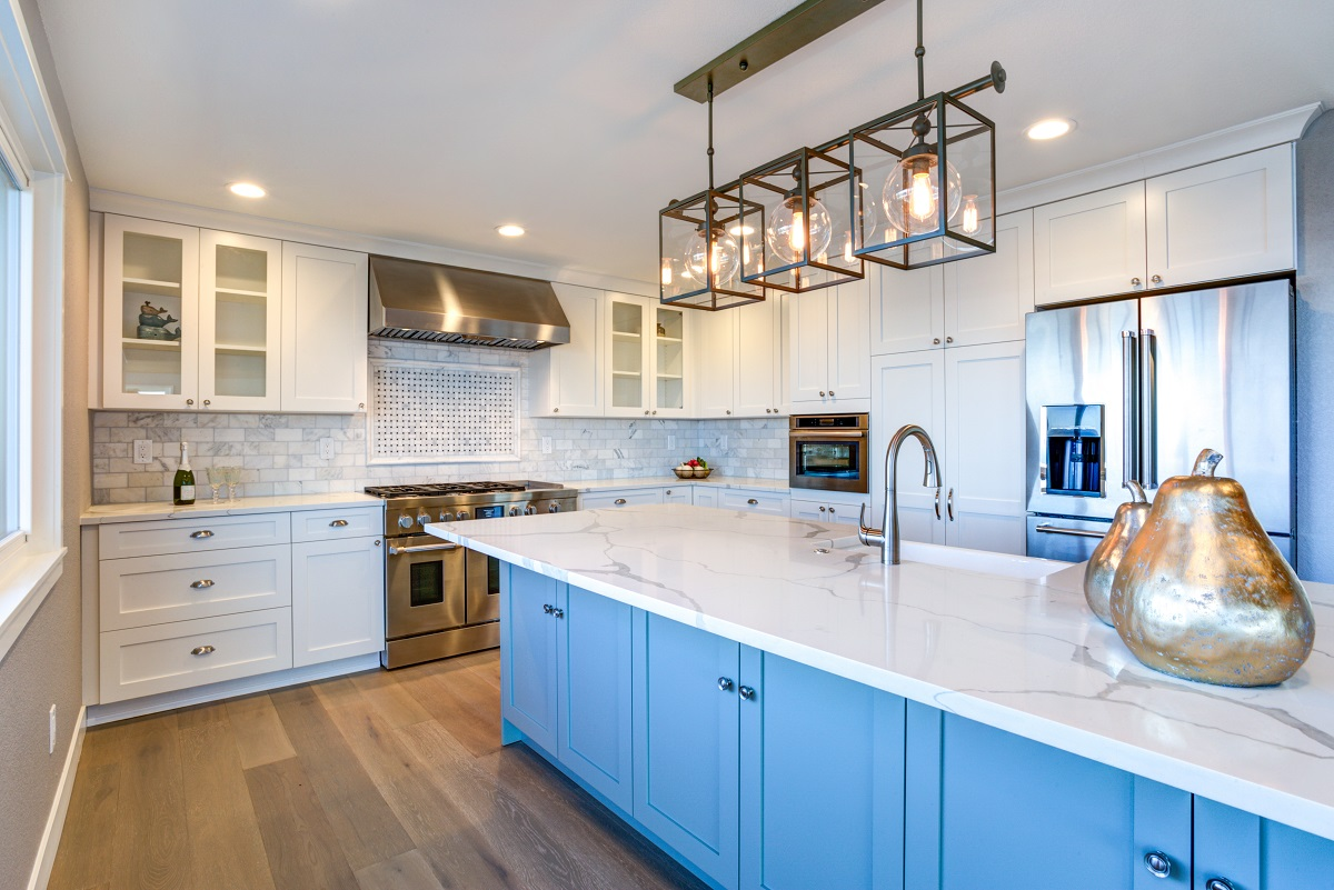 6 Popular Kitchen Island Features